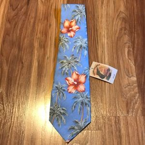 Tommy Bahama men's 100% Silk floral neck tie NWT
